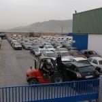 Patio de coches visto desde la entrada